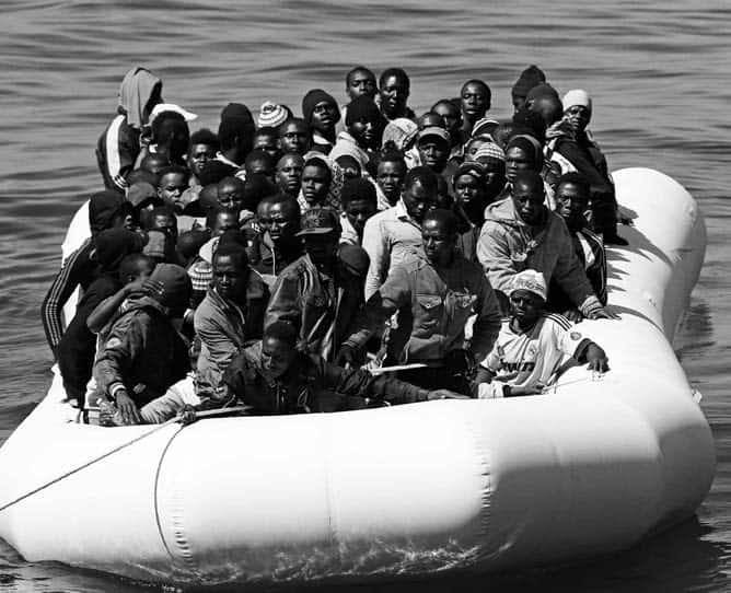 boat of refugees
