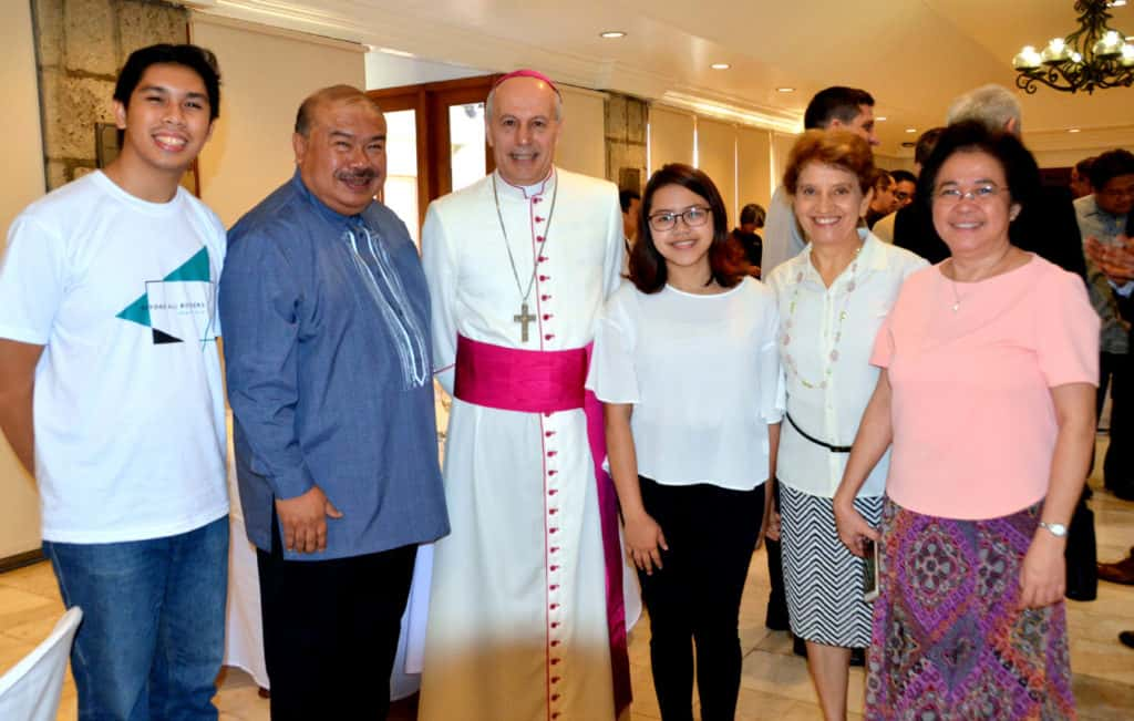 Focolare members with the new Apostolic Nuncio to the Philippines, Italian Archbishop Gabriele Giordano Caccia